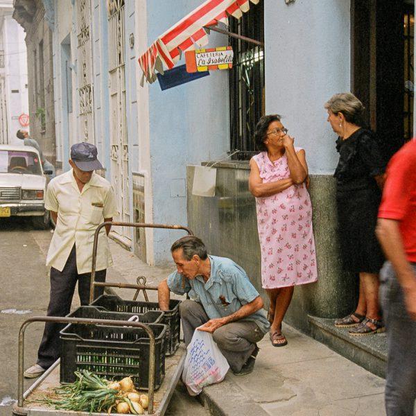 Mobile Market, Havana, Cuba, 1999 ©Cyndie Burkhardt.